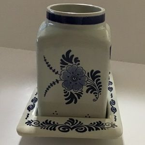 DELFT MADE IN HOLLAND LIDDED CANISTER AND TRAY